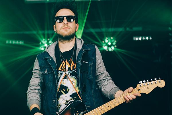 phil-guitar-rocking-rock-look