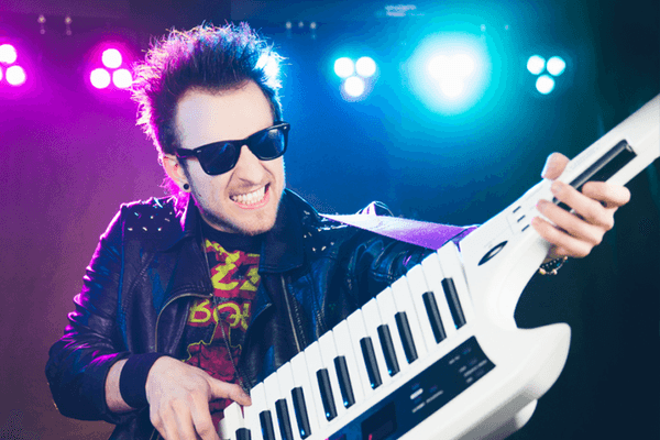 phil-keytar-old-rock-look